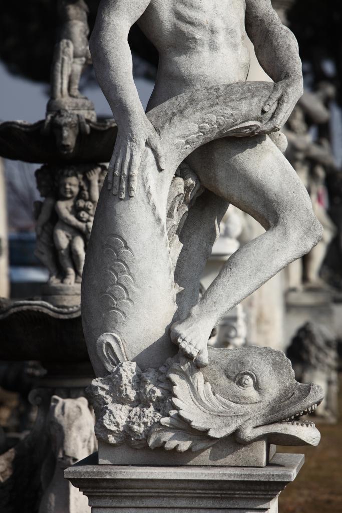 Nettuno scolpito a mano in pietra di Vicenza